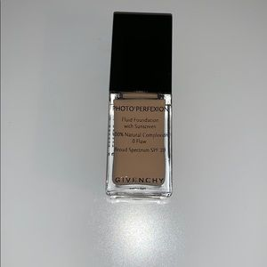 Givenchy Photo'Perfexion Foundation